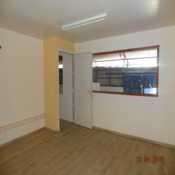 Location Immobilier Professionnel Entrepôt Remire-Montjoly 97354